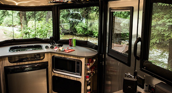 Basecamp : Micro Airstream 16-Airstream_Basecamp_Overview_Design_Slider-3-1